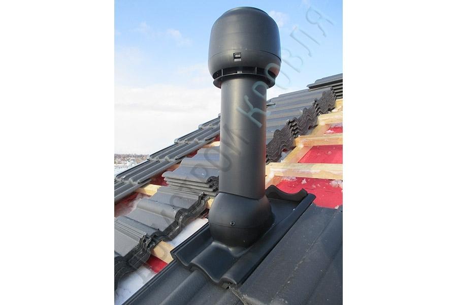 Выход канализации изолированный с колпаком. Черный RR33 (RAL 9005)